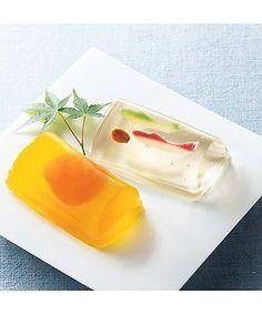 涼やかな日本の夏。昔懐かしい'金魚'の和菓子を添えて。|MERY [メリー]