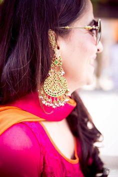 Indian Wedding Jewelry - Beautiful baalis for a Mehendi Indian Wedding Jewelry, Indian Jewelry, Bridal Jewelry, Gold Jewelry, Jewelry Accessories, Jewelry Design, Indian Earrings, Jewellery Earrings, Traditional Indian Jewellery