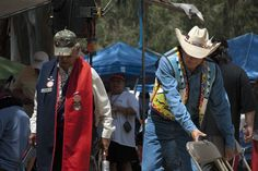 Ira Nowinski photographs of the Stanford Powwow, 2006  (13)  http://purl.stanford.edu/zn821pr5179