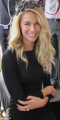 Jennifer Hawkins #Australia #celebrities #JenniferHawkins Australian celebrity Jennifer Hawkins loves http://www.kangadiscounts.com