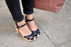http://www.helloitsvalentine.fr/2014/04/loona.html - Swedish Hasbeens SUZANNE clogs