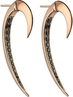 Shop Shaun Leane 'Signature Tusk' black spinel earrings in Uzerai from the world's best independent boutiques at farfetch.com. Over 1500 brands from 300 boutiques in one website.