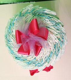 Torta di pannolini rosa (vista dall'alto): idea regalo perfetta per neo mamme! - Pink diaper cake (view from above): perfect gift for new moms! - RobyGiup handmade #newborn #baby #gift #mother #girl