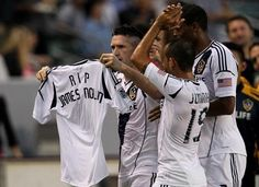 LA Galaxy beat the Vancouver Whitecaps and continue their winning streak