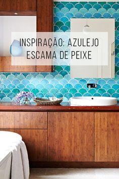Um detalhe para amar ♥︎ : azulejo escama de peixe (ou escalopado)! // Azulejo em formato de escama de peixe, escalopados!O que é tendência no design e na decoração? // palavras-chave: faça você mesma, DIY, passo a passo, inspiração, ideia, tutorial, decoração, design de interiores, tendências, banheiro, cozinha, inspiração, ideia, azulejo, escalopado, sereia, sereismo, inspiração