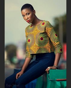 25 Styles You Can Create With 2 Yards Of Fabric – Stampe Africane Box African Blouses, African Tops, African Women, Latest African Fashion Dresses, African Print Fashion, Fashion Prints, Ankara Fashion, Africa Fashion, Tribal Fashion