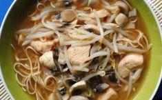 Te explicamos paso a paso, de manera sencilla, cómo hacer la receta de noodles picantes con pollo, jengibre y chile. Tiempo de elaboración, ingredientes, Ramen, Chile, Ethnic Recipes, Easy Food Recipes, Cooking, How To Make, Natural Medicine, Tasty, Chili