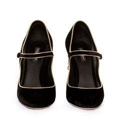 Dolce & Gabbana Chandelier-heel velvet pumps (27 355 UAH) ❤ liked on Polyvore featuring shoes, pumps, evening shoes, mary-jane shoes, velvet mary jane pumps, black mary jane pumps and evening pumps
