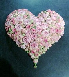 Arrangements Funéraires, Funeral Flower Arrangements, Funeral Flowers, Deco Floral, Arte Floral, Valentine Day Wreaths, Valentines, Memorial Flowers, Sympathy Flowers