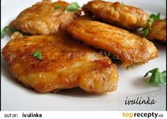 Czech Recipes, Ethnic Recipes, Tandoori Chicken, Chicken Wings, Poultry, Sausage, Food And Drink, Treats, Cooking