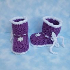 Check out this item in my Etsy shop https://www.etsy.com/listing/269769803/christmas-knit-baby-booties-gifts-for