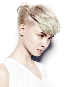 Kort blond hår med undercut