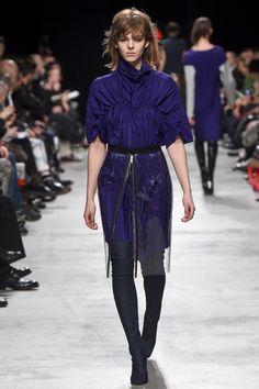Lutz Huelle / Fall 2016 / Look 26 of 31 / Ready-to-Wear Fashion Show #RTW #fashion #runway