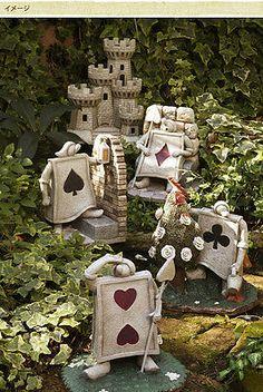 Alice in wonderland Disney Garden ornament statue Cheshire cat 4945119077467 Alice In Wonderland Crafts, Alice In Wonderland Tea Party, Casa Disney, Disney Rooms, Deco Disney, Mad Hatter Tea, Mad Hatters, Disney Home Decor, Garden Ornaments