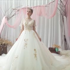 Elegant Ivory Wedding Dresses 2019 A-Line / Princess Scoop Neck Sequins Lace Flower Short Sleeve Cathedral Train Dream Wedding Dresses, Wedding Gowns, Wedding Blog, Godmother Dress, Flower Shorts, Ivory Wedding, Lace Flowers, Bridal Collection, Evening Gowns
