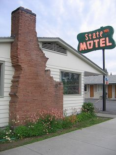 State Motel in Coeur d'Alene Idaho - complete with Idaho shaped chimney.