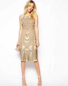 If you love gold and luxury, dress yang satu ini wajib jadi pilihan Anda.