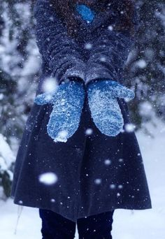 I want to have a photo-shoot in the snow! <3