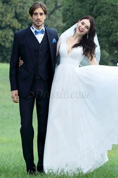 Fashion New Sexy Plunging V Neck Wedding Dress Elegant Bridal Gown