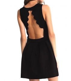 Mini dress with tiered skirt half wheel with collar on the back