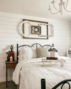 magnificient farmhouse master bedroom ideas on a budget 27 ~ mantulgan.me : magnificient farmhouse master bedroom ideas on a budget 27 ~ mantulgan. Farmhouse Master Bedroom, Master Bedroom Design, Home Decor Bedroom, Bedroom Furniture, Diy Home Decor, Bedroom Ideas, Bedroom Designs, Bedroom Rustic, Spare Bedroom Paint Ideas