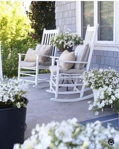 front porch decor ideas - Porches have their background in very early America and are frequently related to a simpler time and lifestyle, Best Rustic Farmhouse Front And Back Porch Designs Ideas White Rocking Chairs, Rocking Chair Porch, Farmhouse Rocking Chairs, Outdoor Rocking Chairs, Porch Makeover, Building A Porch, House With Porch, Decks And Porches, Porch Decorating