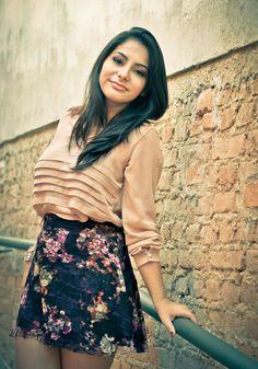 look saia de renda floral - camisa rosa - barbara urias