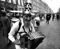 Cor Jaring, koperen ko op de Albert Cuyp markt, Amsterdam 60s