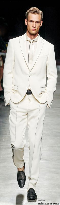 Bottega Veneta | Men's Fashion | Menswear | Men's Outfit for Spring/Summer | White Suit | Moda Masculina | Shop at designerclothingfans.com