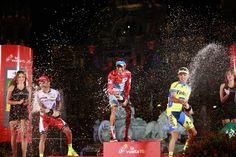 Etapa 21 - Alegría entre los tres mejores de la Vuelta