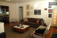 Apartamento em São Paulo, Brasil. Charming apartment ideal for 1 - 4 people on the 12th floor of a family and elevator building in a convenience and fantastic location, 10 minutes walk to Ibirapuera Park.  Bright, clean, quiet, sunny and airy, includes all amenities and features t...