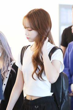 Yuri, Japanese Girl Group, Kim Min, Airport Style, Pose Reference, New Music, Kpop Girls, Korean Girl, My Girl