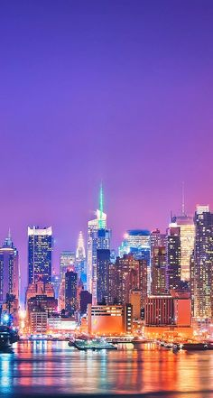 Skyline of New York - iPhone Beautiful Landscape wallpapers @mobile9 #cityview #nightcity