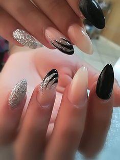 30 feenhafte Hochzeitsnägel für Ihren großen Tag Edeline ca nails Black Nail Designs, Simple Nail Designs, Nail Art Designs, Nails Design, Easy Designs, Cute Nails, Pretty Nails, Hair And Nails, My Nails