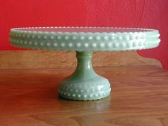 a gorgeous aqua stand with a raised dot texture. i love anything green because it goes so nicely with pink or white. most cakes i make usually have either of those colours involved.