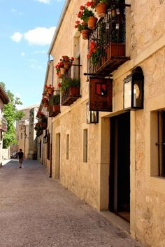 A charming day trip to Pedraza, Spain