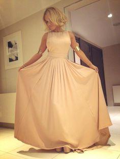Doda nude dress