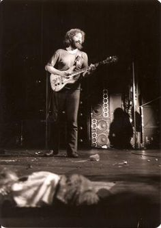 Grateful Dead Jerry at Winterland - Oct. Dead Pictures, Dead Images, Grateful Dead Image, Phil Lesh And Friends, Guitar Guy, Mickey Hart, Jerry Garcia Band, Dead And Company