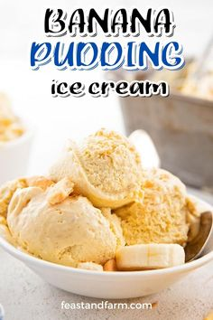 This banana pudding ice cream is a special southern treat! Want to impress your guests? This is the perfect way to do it. It tastes just like a classic banana pudding, too. Banana Pudding Ice Cream, Banana Cream, Easy Homemade Desserts, Creamed Honey, Ice Cream Maker, Trifle, Ice Cream Recipes, Cinnamon Rolls, Southern