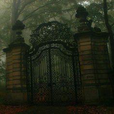 Old Mansion Gate