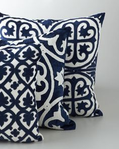 """Navy+&+White+""""Venice""""+Collection+Pillows+at+Horchow. Too pricy but luv it White Decor, New Room, Navy And White, Navy Blue, Home And Living, Home Furnishings, Home Accessories, Decoration, Decorative Pillows"""