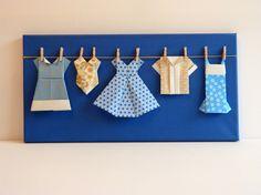 Dressing bleu créé par Estampapier. Vendu 18€