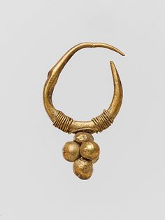 Gold earring with clustered sphere, Roman, 2nd-3rd century A.D., Metropolitan Museum of Art