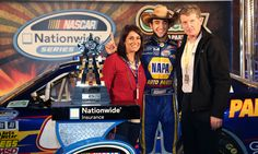 Chase Elliott with his father Bill Elliott and mother Cindy Elliott.
