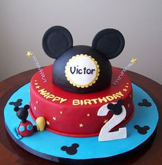 Mickey Mouse cake by cakespace - Beth (Chantilly Cake Designs), via Flickr