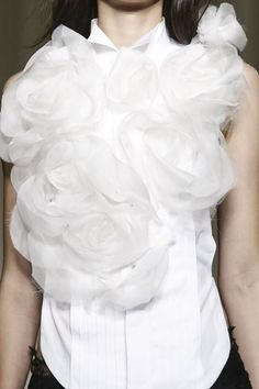 White sleeveless shirt adorned with large fabric roses; romantic fashion details // Marchesa S/S 2015