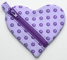 I know a lot of you have asked for this heart pouch tutorial and I finally finished it! First, I want to let everyone know that I've finished and posted the licensed version of the Circle Zi…