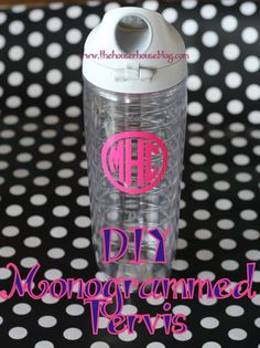 The Houser House: DIY Monogrammed Tervis. or anything else you might want to use vinyl and transfers to decorate, monogram or otherwise. great tute with handy tips Silhouette Vinyl, Silhouette Cameo Projects, Silhouette Machine, Silhouette Cutter, Silhouette Portrait, Vinyl Crafts, Vinyl Projects, House Projects, Art Projects