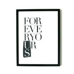Forever Yours illustration med grafisk print/tekst