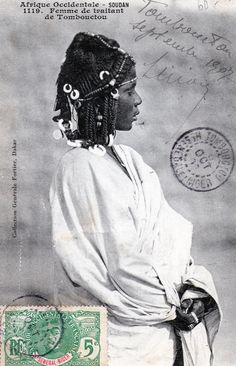 Africa | Woman Trading.  Timbuktu.  Dated 1907. | Vintage postcard; collection Generale Fortier.  No 1119